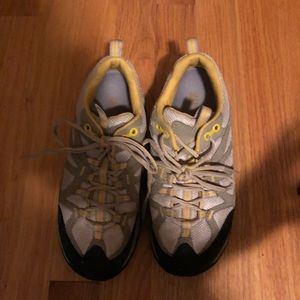 Merrell Shoes - Merrelle hiking shoes/tennis shoes